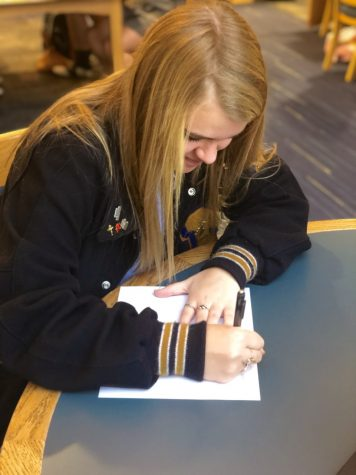 Kathryn Taylor '21 enjoys expressing her gratitude and love through handwritten notes.