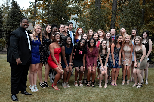 A group of juniors attend a picture party before the 2019