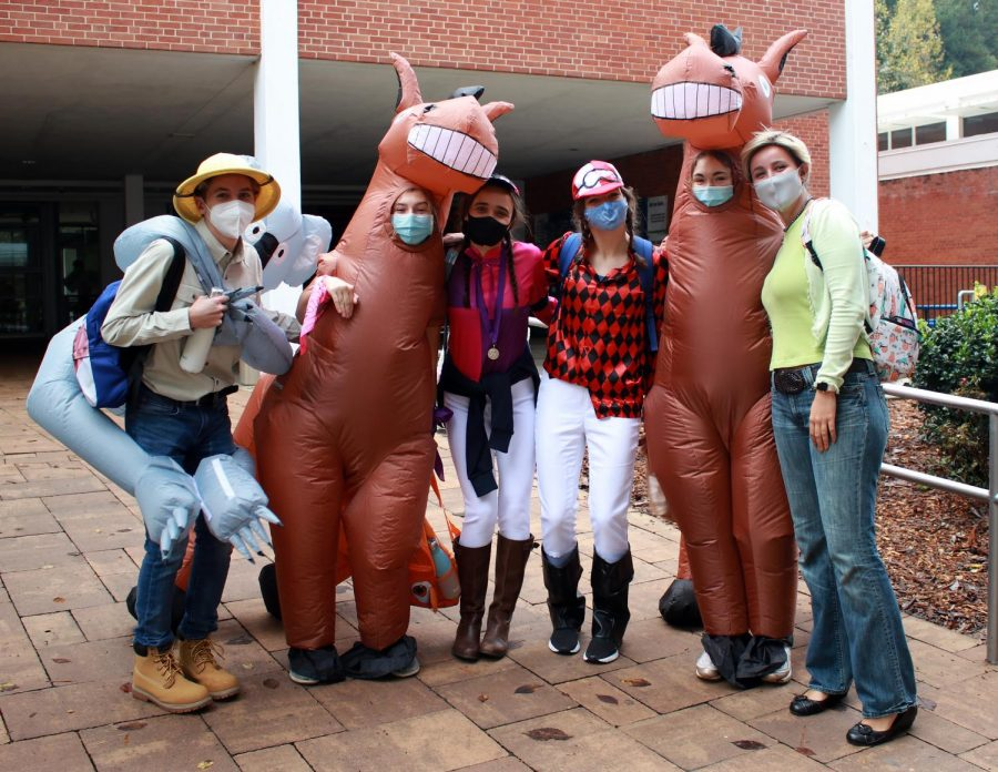 B group seniors went all out for their Senior Halloween on Thursday, Oct. 29.