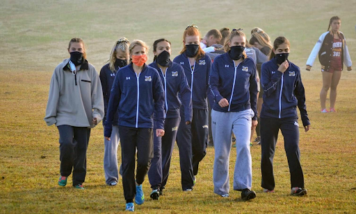 The Girls XC team before a race